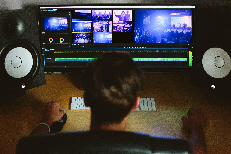 devenir monteur vidéo